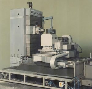 Rotary Tilting Table with Traversing Linear Axis for a HBM